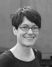 Julia Neuhaus - Portrait